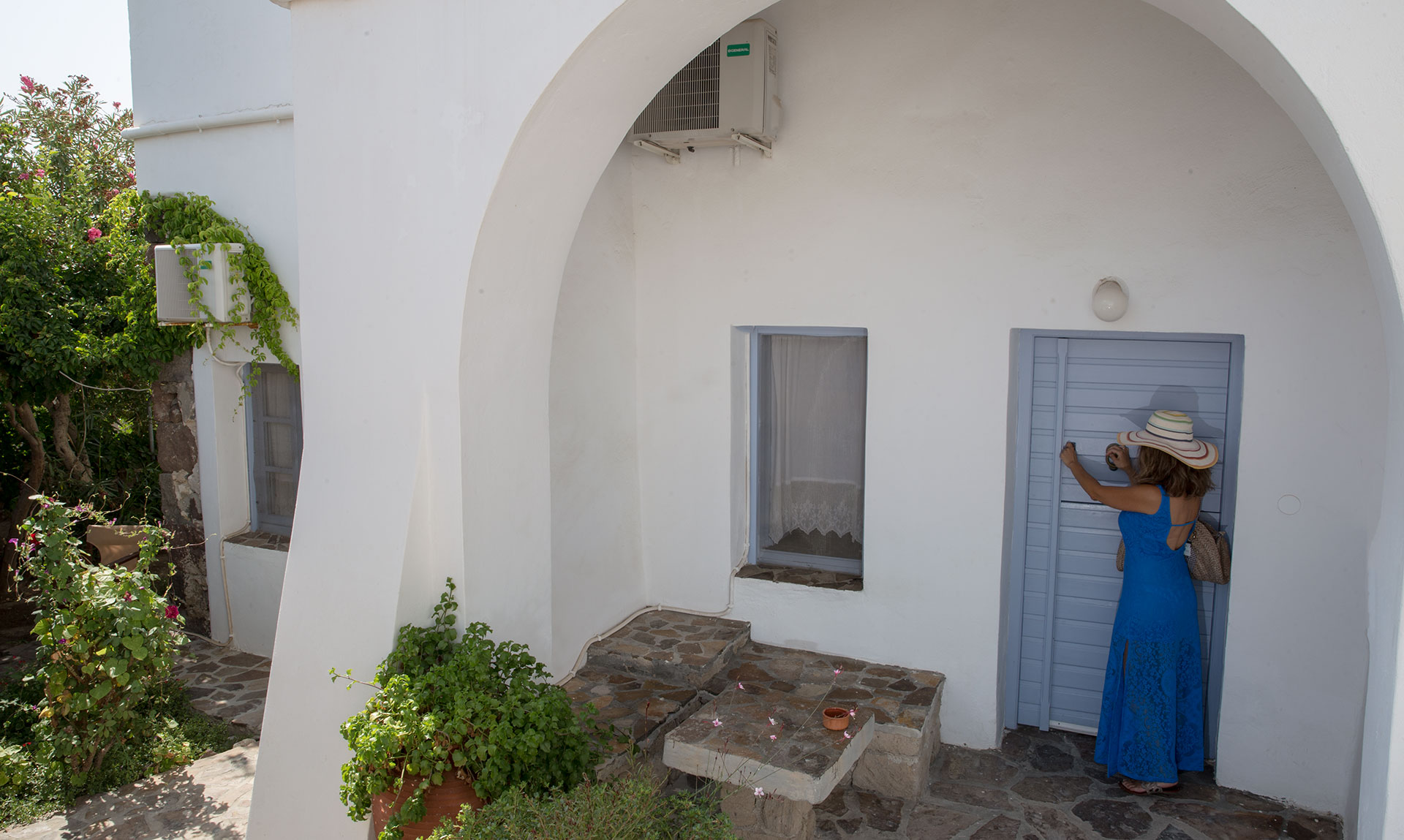 Efis Apartments_Tripiti_Milos_Cyclades