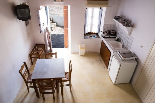 APARTMENT 2-4 PAX GARDEN VIEW-Efis Studios-Tripiti-Apartments -Milos
