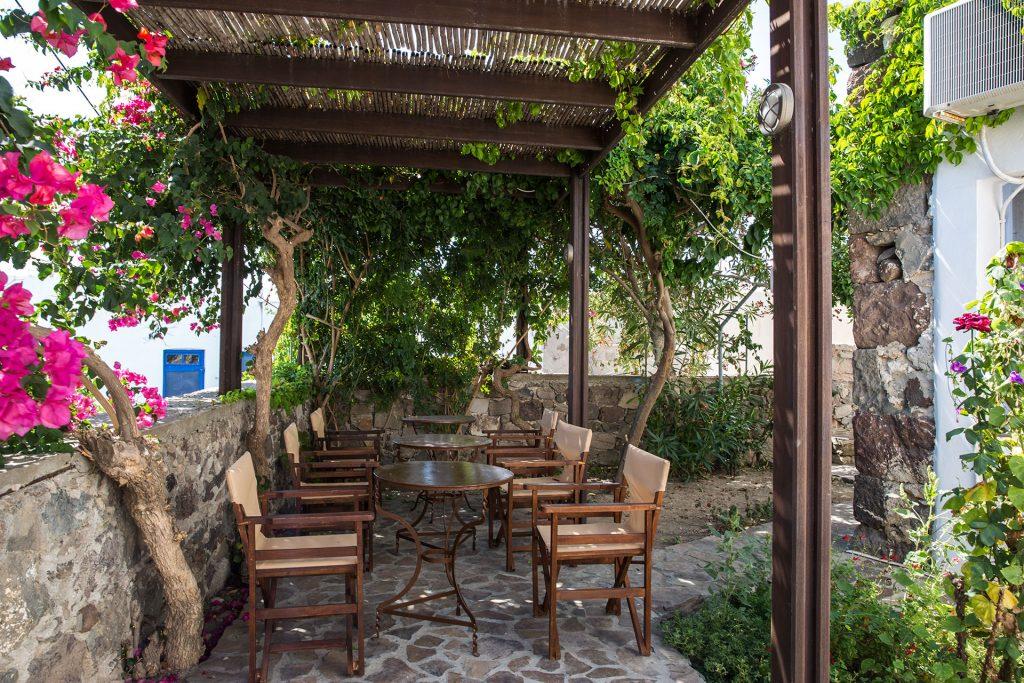 EfisApartments-Milos-Tripiti