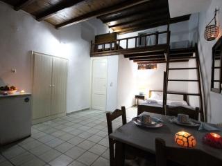 Efis Apartments_Tripiti_Milos_Cyclades